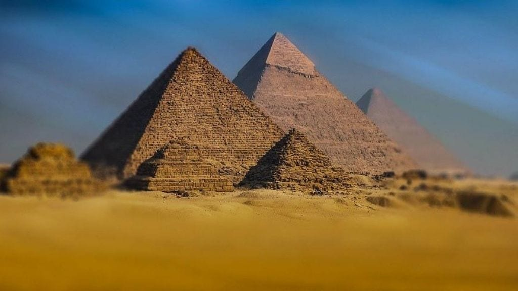 Kadealo, Guide to Egypt's Pyramids